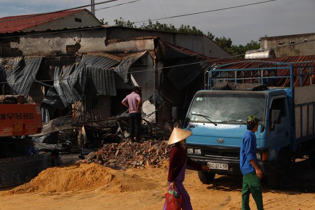 Xem xét khởi tố vụ cháy xe bồn chở xăng làm 6 người chết - Ảnh 9.