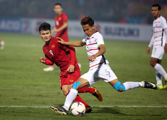 Quang Hải xuất sắc nhất trận VN - Campuchia - Ảnh 1.
