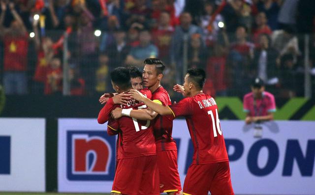 Quang Hải xuất sắc nhất trận VN - Campuchia - Ảnh 2.
