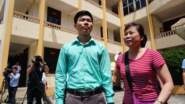 Bác sĩ Hoàng Công Lương tiếp tục bị đề nghị truy tố - Ảnh 1.