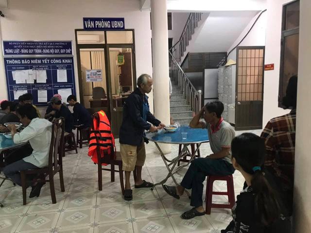 Bộ trưởng Nguyễn Xuân Cường thị sát phòng chống bão tại Bà Rịa - Vũng Tàu - Ảnh 3.