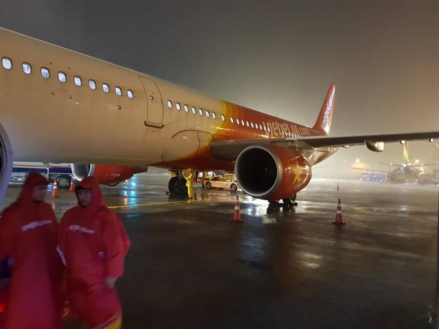 Không có chuyện sân bay Tân Sơn Nhất ngập nước - Ảnh 2.