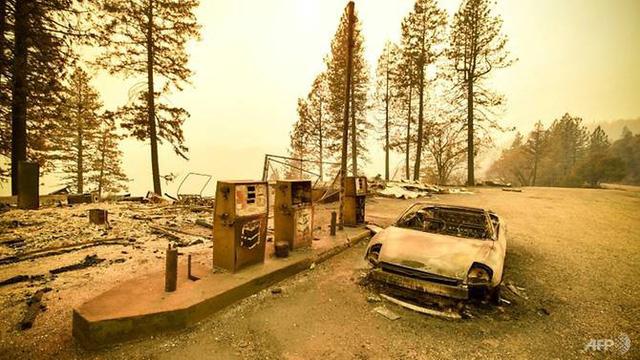 Đã khống chế toàn bộ đám cháy rừng chết chóc nhất ở California - Ảnh 1.