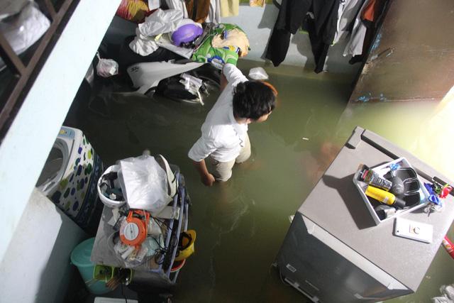 Cả xóm trọ ở Thảo Điền xin nghỉ việc vì nhà ngập nặng - Ảnh 7.