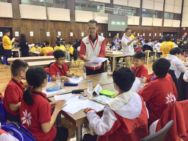 10 học sinh Việt giành huy chương vàng toán thế giới - Ảnh 1.