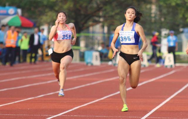 Lê Tú Chinh phá kỷ lục cự ly 100m tại Đại hội TDTT toàn quốc 2018 - Ảnh 1.