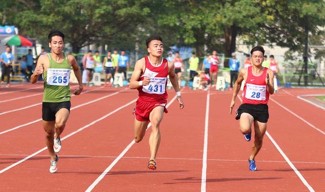 Lê Tú Chinh phá kỷ lục cự ly 100m tại Đại hội TDTT toàn quốc 2018 - Ảnh 2.