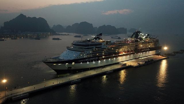 Cảng tàu khách quốc tế Hạ Long lần đầu đón tàu 3.000 khách - Ảnh 1.