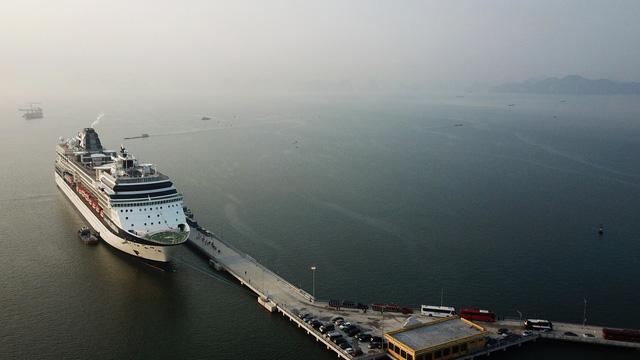 Cảng tàu khách quốc tế Hạ Long lần đầu đón tàu 3.000 khách - Ảnh 3.