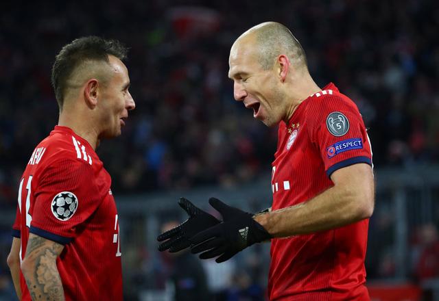 Đè bẹp Benfica, Bayern Munich đoạt vé đi tiếp - Ảnh 1.