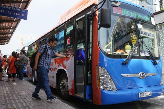 TP.HCM tăng 92 chuyến xe buýt dịp Tết dương lịch 2019 - Ảnh 1.