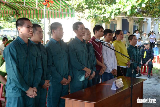 Thêm 9 bị cáo gây rối tại đội cảnh sát chữa cháy Phan Rí nhận án tù - Ảnh 1.