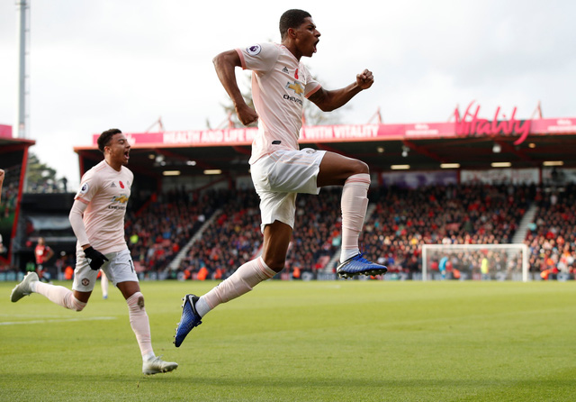 Manchester United ngược dòng đá bại Bournemouth ở phút 90+2 - Ảnh 1.