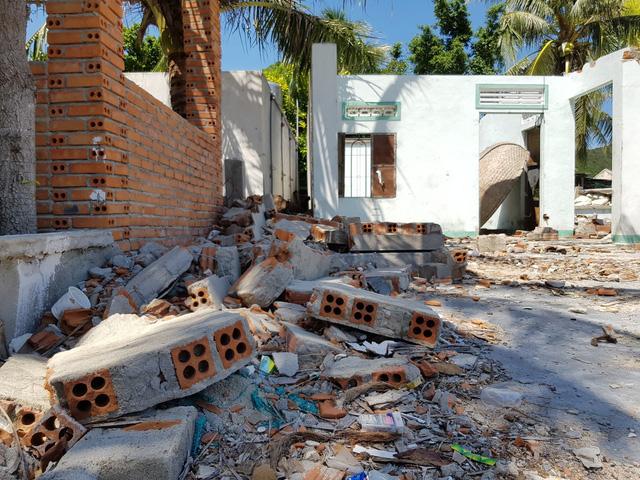 Đảo Điệp Sơn  sau 1 năm hứng bão lịch sử Damrey - Ảnh 2.