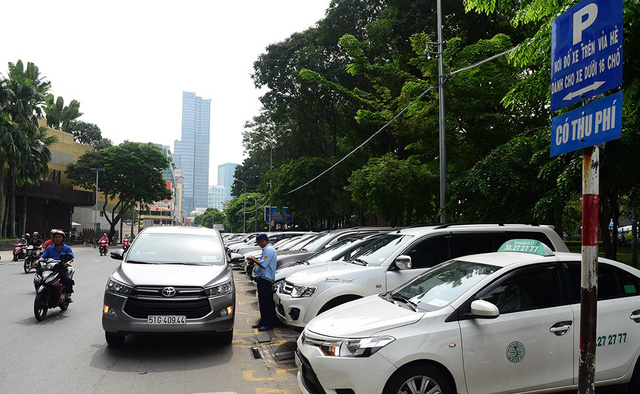 TP.HCM thất thu hơn 98% phí đậu xe dưới lòng đường - Ảnh 1.