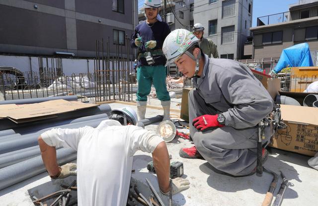 Khoảng 40.000 lao động nước ngoài sẽ đến Nhật - Ảnh 1.