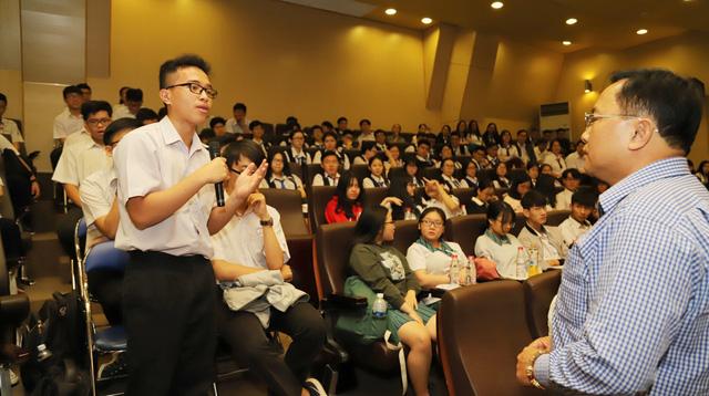Người trình độ đại học thu nhập cao hơn sơ cấp chỉ 1 triệu đồng - Ảnh 1.