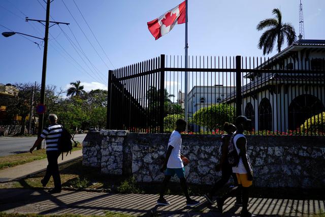 Thêm một nhà ngoại giao Canada bị chẩn đoán bệnh lạ tại Cuba - Ảnh 1.