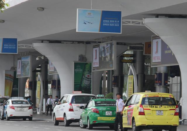 Taxi tại sân bay Đà Nẵng bỏ chuyến để phản đối Grab - Ảnh 3.