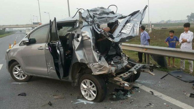 Vụ lùi xe trên đường cao tốc 4 người chết: Cần hủy án điều tra lại - Ảnh 2.