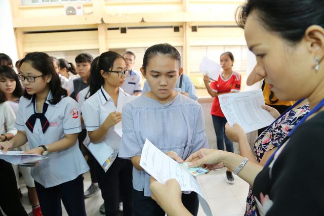 ĐH Quốc gia TP.HCM sẽ tổ chức 2 đợt thi đánh giá năng lực năm 2019 - Ảnh 1.