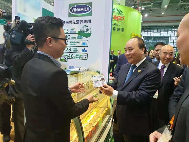 Vinamilk đưa sản phẩm sữa tiếp cận thị trường Trung Quốc - Ảnh 1.