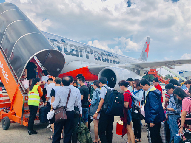 Hành khách bức xúc vì Jetstar hủy chuyến tới Tuy Hòa - Ảnh 1.