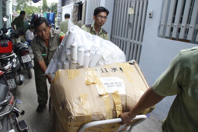 Sữa dưỡng thể sản xuất tại Việt Nam ghi Made in Thái Lan - Ảnh 1.