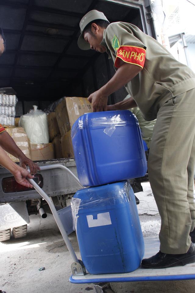 Sữa dưỡng thể sản xuất tại Việt Nam ghi Made in Thái Lan - Ảnh 2.