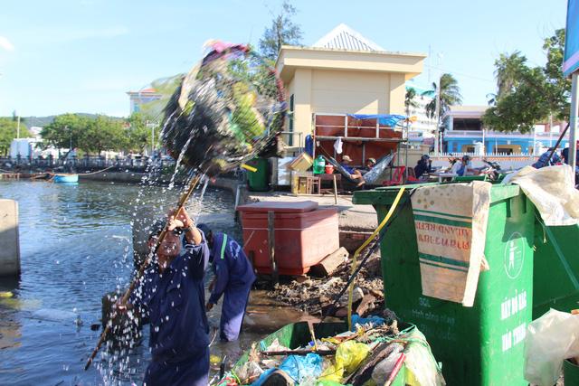Bàn cách để Phú Quốc không còn rác thải nhựa - Ảnh 2.