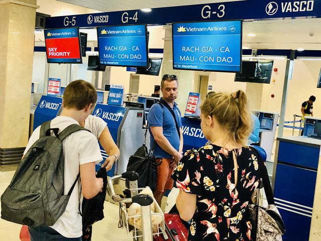 Khó đáp ứng nhu cầu vì nhiều sân bay không tiếp nhận chuyến bay đêm - Ảnh 1.