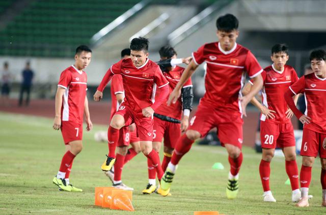 Tuyển VN đá đội hình mạnh nhất với Lào - Ảnh 1.