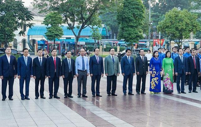 Lãnh đạo TP Hà Nội dâng hoa tưởng niệm V.I.Lênin - Ảnh 2.