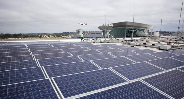 Sắp ra mắt sân bay vận hành hoàn toàn bằng điện mặt trời - Ảnh 1.