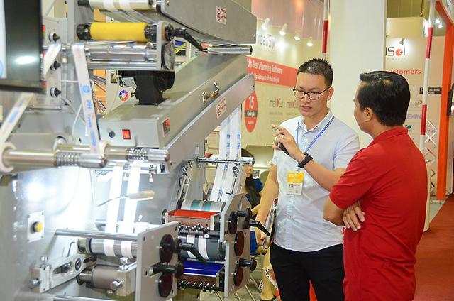 Rộng cửa cho ngành dệt may – da giày Việt Nam - Ảnh 2.