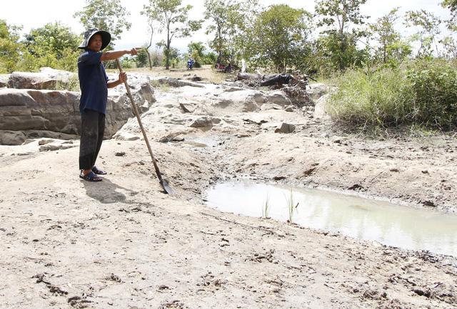 Ninh Thuận mưa ít, các hồ chứa tiếp tục trơ đáy - Ảnh 5.