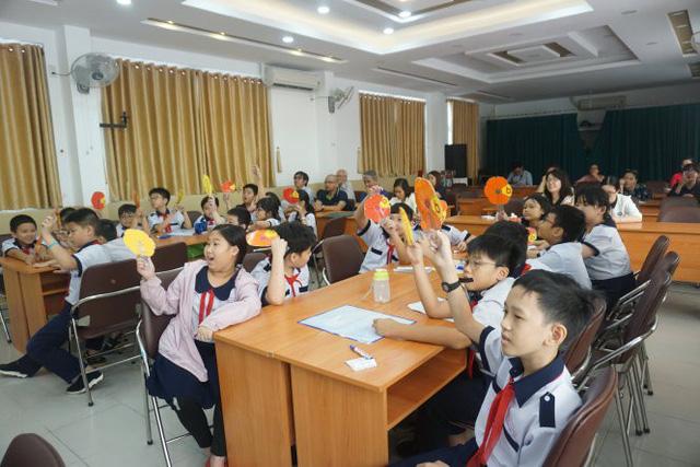 Trường tiểu học TP.HCM mời phụ huynh dự giờ học của con - Ảnh 1.