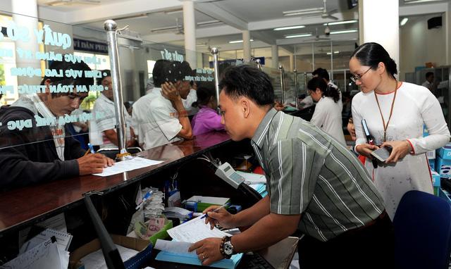 Chủ tịch UBND quận, huyện phải gặp người dân không được cấp giấy chủ quyền - Ảnh 1.