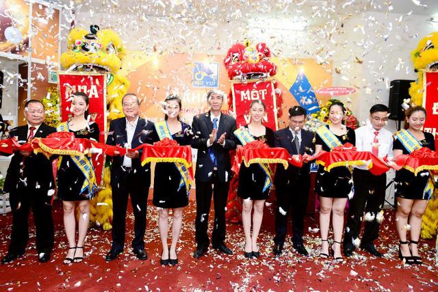Tưng bừng ưu đãi tại Hội chợ Quốc tế Trang sức Việt Nam - VIJF 2018 - Ảnh 3.