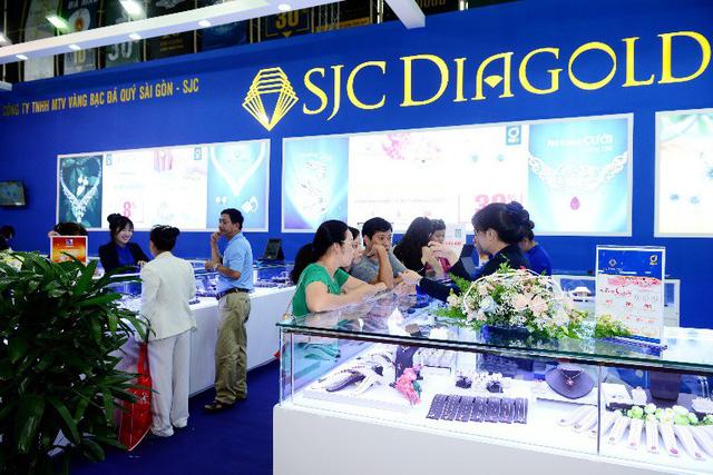 Tưng bừng ưu đãi tại Hội chợ Quốc tế Trang sức Việt Nam - VIJF 2018 - Ảnh 5.