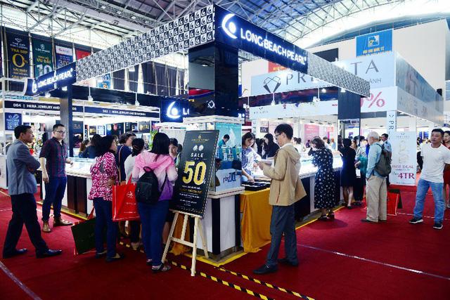 Tưng bừng ưu đãi tại Hội chợ Quốc tế Trang sức Việt Nam - VIJF 2018 - Ảnh 6.