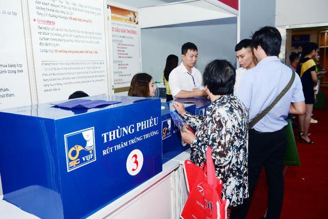Tưng bừng ưu đãi tại Hội chợ Quốc tế Trang sức Việt Nam - VIJF 2018 - Ảnh 8.