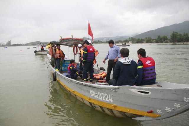 Tàu tiếp dầu húc toác cầu cảng ở Đà Nẵng - Ảnh 4.