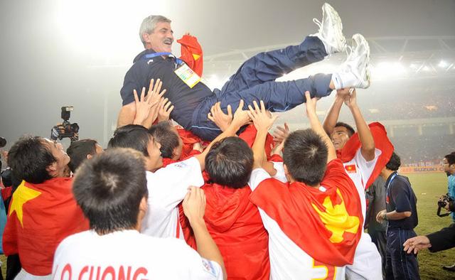 HLV Calisto tin tưởng đội tuyển VN vô địch AFF Cup - Ảnh 1.