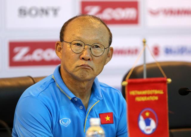 Bầu Đức chi 800 triệu đồng/tháng trả lương cho HLV Park Hang Seo - Ảnh 1.