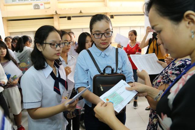 ĐH Quốc gia TP.HCM công bố ngày thi, đề thi mẫu đánh giá năng lực 2019 - Ảnh 1.