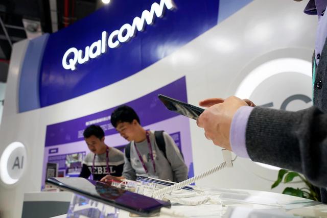 Tòa Trung Quốc cấm bán iPhone do tranh chấp bản quyền - Ảnh 1.