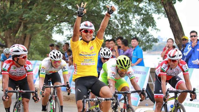 Lê Nguyệt Minh rút thắng cựu vô địch châu Á Ali Khademi - Ảnh 1.