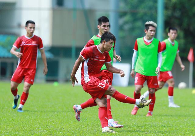 Tuyển Việt Nam phải đổi sân tập trước khi rời Malaysia - Ảnh 2.