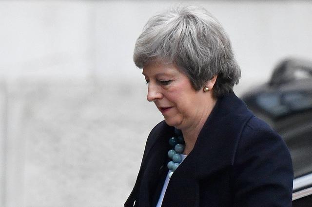Thủ tướng Anh bị bỏ phiếu bất tín nhiệm - Ảnh 1.